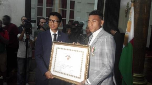 Президентът на Мадагаскар удостои Анисе с рицарски орден за особени заслуги