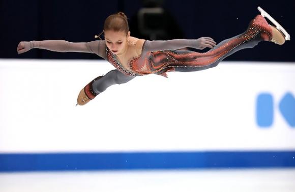 Александра Трусова спечели при жените на Гран При в Москва