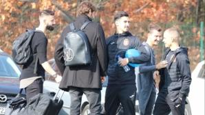 Националите пристигнаха в Бояна в добро настроение (снимки)