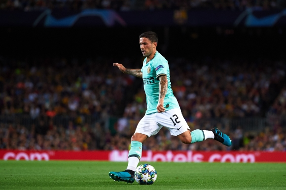 Барселона и Ман Сити следят халф на Интер