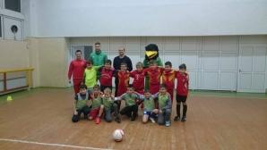 Новият треньор на Пирин зарадва деца в Благоевград