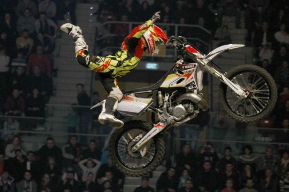 Федерацията по мотоциклетизъм с благороден жест преди Night of the jumps
