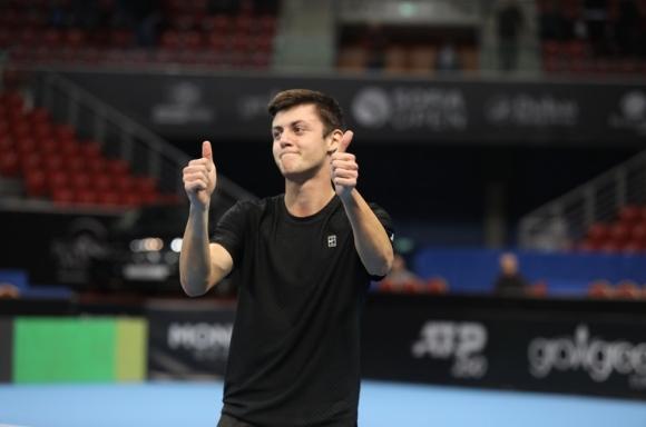 Александър Лазаров влезе в топ 8 в Гърция
