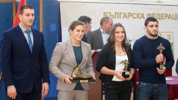 Националките по борба на лагер с рускини и азерки на Белмекен