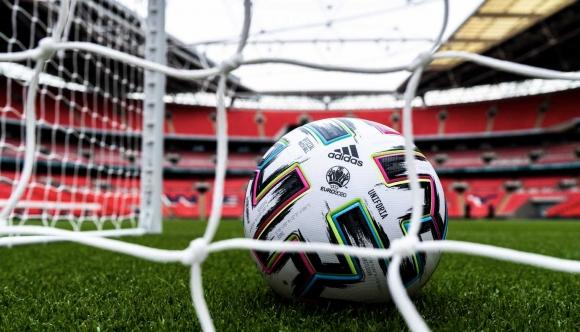 Петела се завръща на голямо футболно първенство