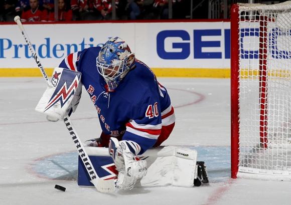 Александър Георгиев с трета суха мрежа в НХЛ (видео)