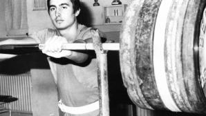 """Излезе от печат """"Пътят на Скитника"""",  биографията на олимпийския шампион Асен Златев"""