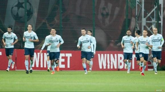 Дунав се раздели с четирима футболисти