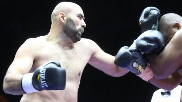 Богдан Дину отказа едър южноафриканец в Пловдив