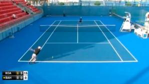 Посмейте се с този тенисист (видео)