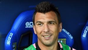 Милан се насочва към Манджукич, ако не успее с Ибрахимович