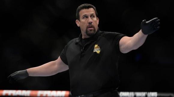Легендарен рефер обясни защо UFC не прави общи събития с други промоции