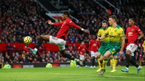 Ман Юнайтед се справи без проблеми срещу последния, Рашфорд с юбилеен мач и две попадения (видео)