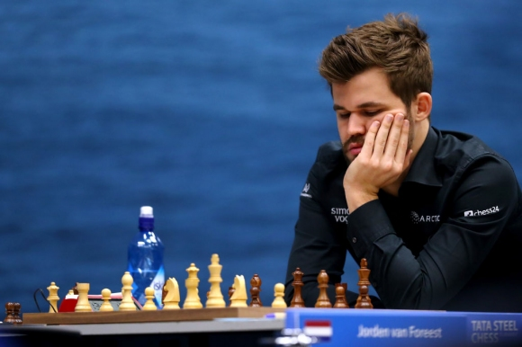 Магнус Карлсен с рекордна серия без загуба