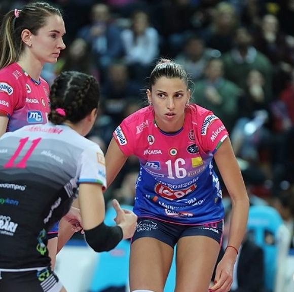 Елица Василева с 15 точки, Новара започна годината с победа (снимки)