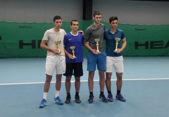 Държавното първенство на закрито до 18 г. в Бургас излъчи шампионите на двойки