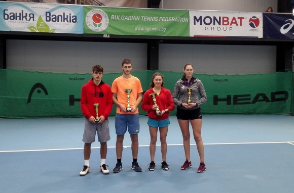 Мерт Рамадан и Даря Шаламанова станаха държавни шампиони на закрито до 18 г.