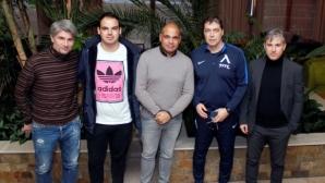 Скаут на Аякс се срещна с Левски