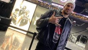 Вратарят на ПАОК хвърли дрехите за гореща фотосесия