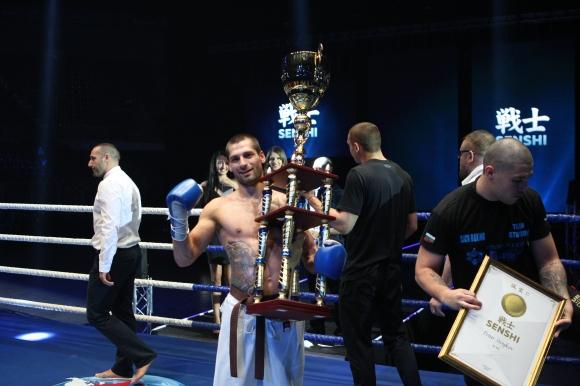 Рекордьорът по победи на SENSHI Петър Стойков излиза отново на ринга
