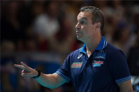 Световен шампион с Италия иска да води волейболистките