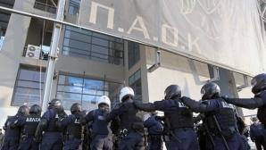 Скандалните истории в гръцкия футбол: 2000 полицаи и хеликоптери охраняват мач без публика (видео+снимки)