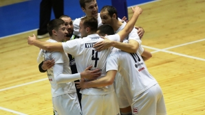 Марек удари категорично Левски в София след 25:10 в първия гейм и 10:19 във втория (видео + галерия)