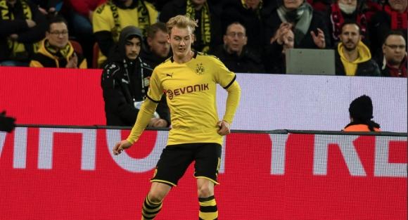 Контузия застигна втори титуляр на Дортмунд - под въпрос е за мача с ПСЖ