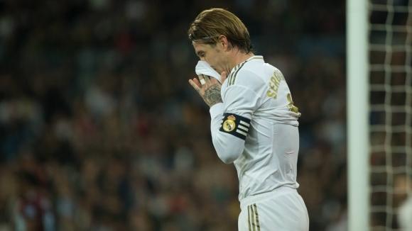 """Реал Мадрид изпусна победата на """"Бернабеу"""", Барса е само на точка (видео + галерия)"""