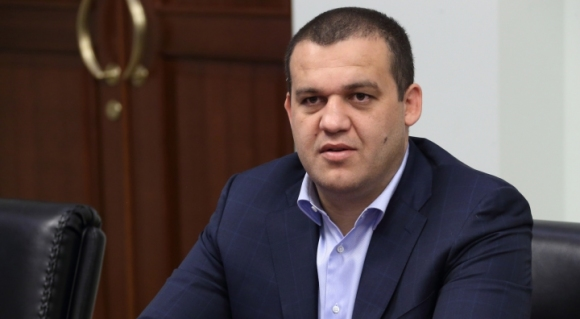 Руснак иска да е шеф на световния бокс