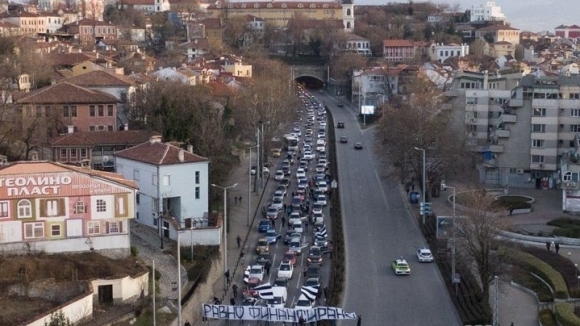 Феновете на Локо (Пловдив) блокираха града с автошествие