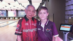"""82-годишен индонезиец триумфира с купата на """"Фантастико оупън"""""""