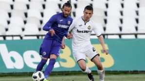 Велко Батрович подписа със Септември
