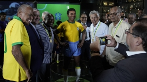 Откриха статуя на Пеле по повод 50 години от третата световна титла на Бразилия