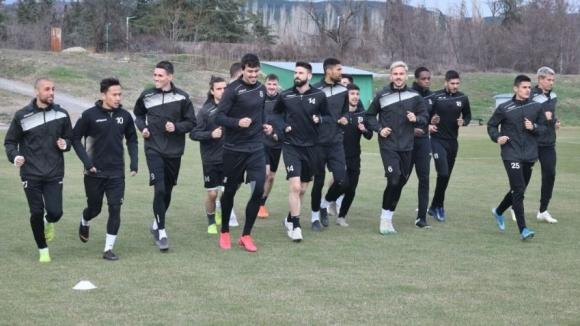 Локомотив без трима титуляри в Стара Загора