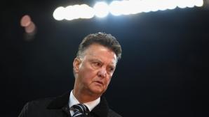 Ван Гаал критикува Барселона заради позицията на Де Йонг