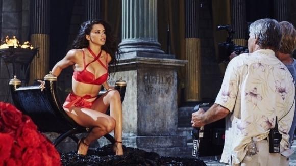 Адриана Лима вае тяло с бразилско бойно искуство