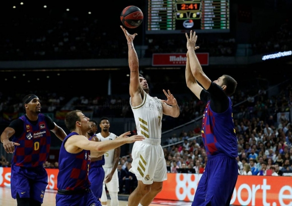 "Баскетболното ""Ел Класико"" пред празни трибуни"