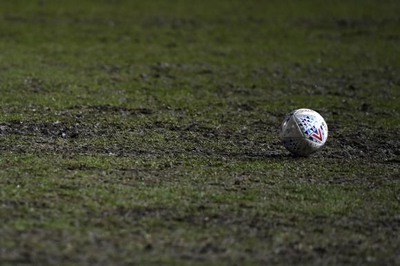 Някои клубове в Англия може да не преживеят кризата