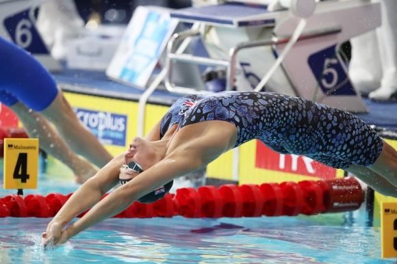 Плувкинята Джорджия Дейвис: Извън комфортната си зона сме