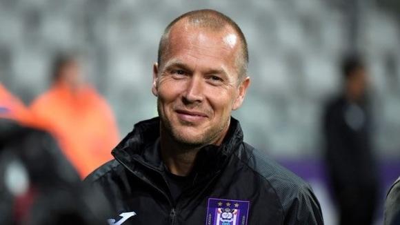 Андерлехт освободи помощник-треньора, за да пести пари в условията на криза