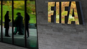 Във ФИФА обмислят ситуацията с отложените мачове и договорите на играчите
