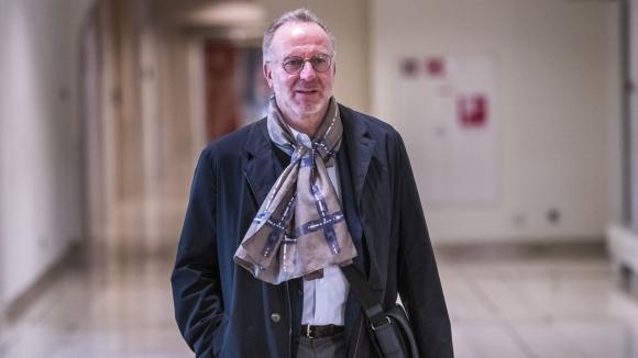 Вирусът няма да се отрази на преговорите за нови договори в Байерн