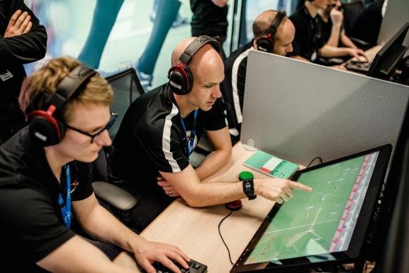 Пандемията може да забави прилагането на новите правила във футбола