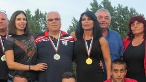 Силните хора във ФК Кариана предприеха благотворителна акция