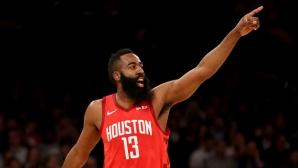 Преди точно една година Хюстън Рокетс счупи рекорда на НБА за най-много тройки в един мач (видео)