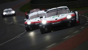 """Porsche изтегли две от колите си от """"Льо Ман"""""""