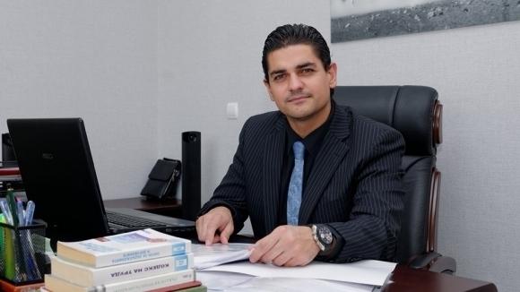 Адвокат Радостин Василев за това как Сираков ще получи акциите