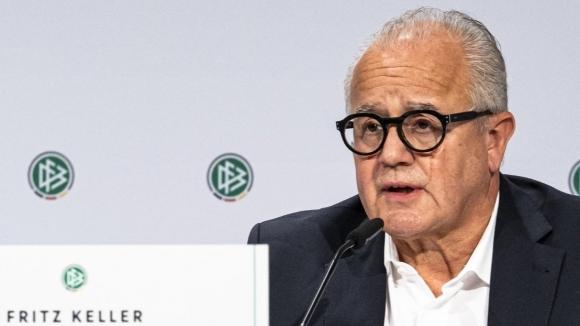 Шефът на Германския футболен съюз призова за таван на заплатите