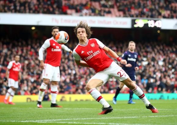 Давид Луис може да напусне Арсенал като свободен агент
